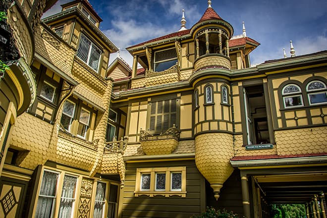 the-winchester-mystery-house-sarah-winchester-malorie-mackey-door-to-nowhere