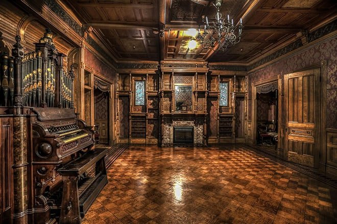 the-winchester-mystery-house-sarah-winchester-malorie-mackey-grand-ballroom