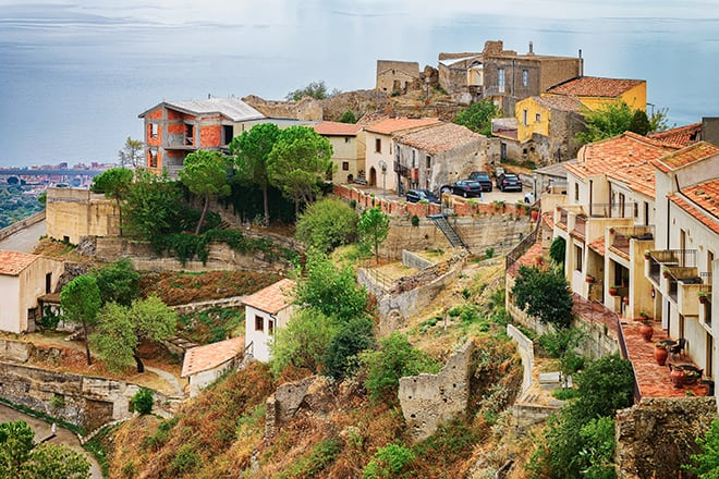 trip-to-europe-places-to-go-you-wont-see-on-instagram-Savoca-the-godfather-filming-location