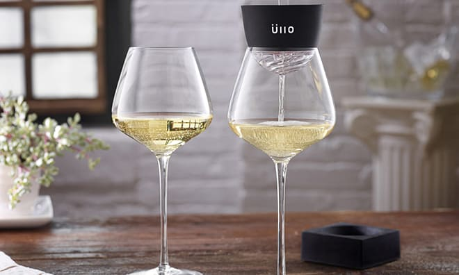 Innovative-Tools-for-Wine-Drinkers-wine-glass-ullo-product-image