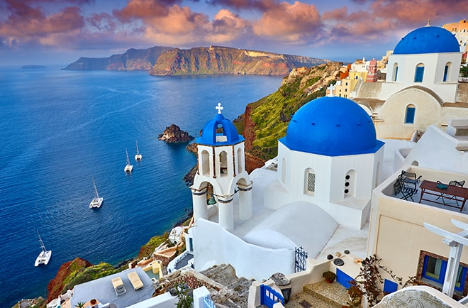 top-romantic-proposal-spots-in-europe-santorini