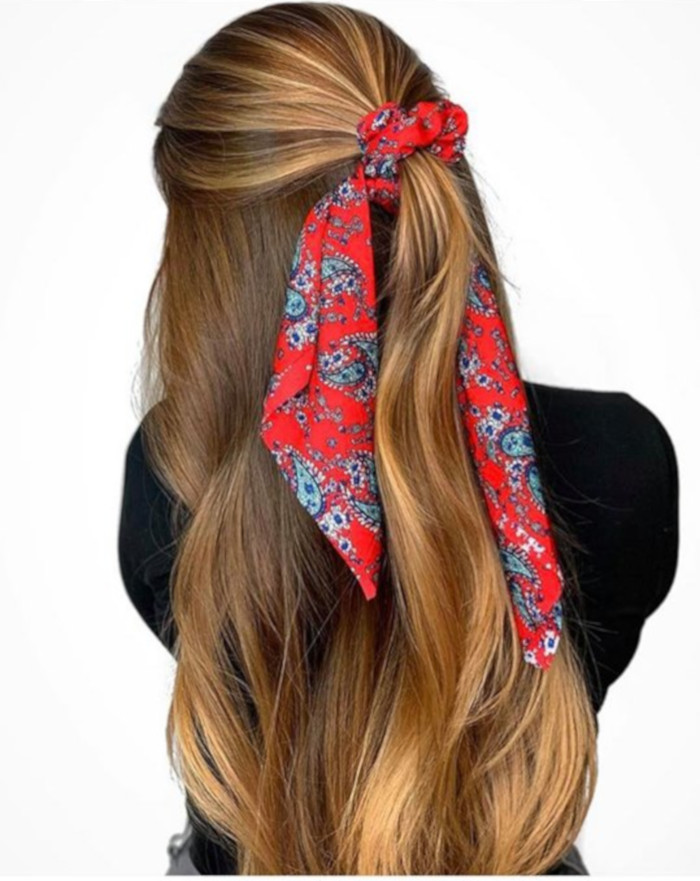 Chic Ways to Style a Head Scarf This Summer