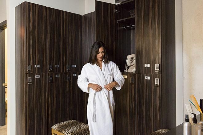 desuar-luxury-spa-dressing-room