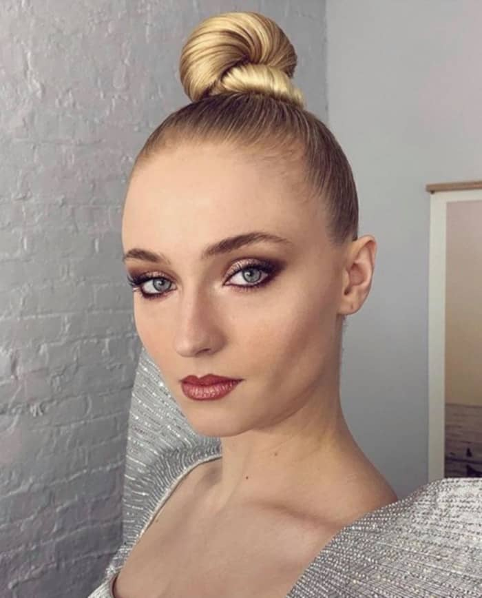 celebrity bun lift updo hairstyle trend