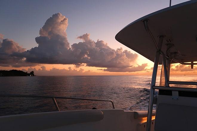 ibagari-boutique-hotel-activities-beautiful-sunset-cruise-boat