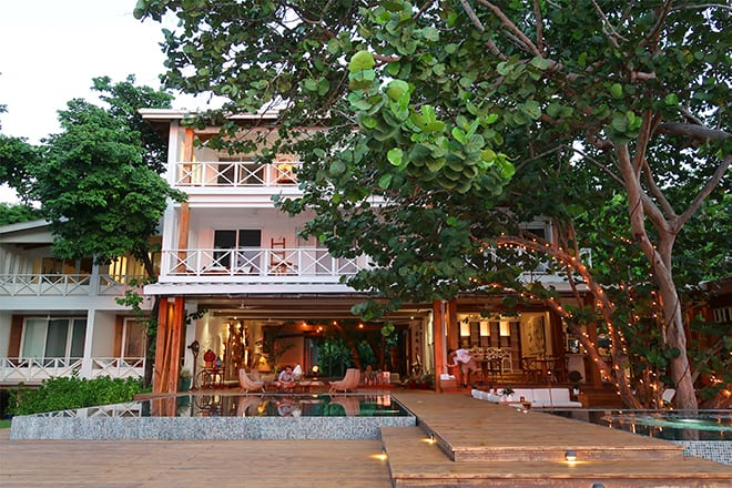 ibagari-boutique-hotel-luxury-destination-roatan-honduras-full-hotel-viva-glam