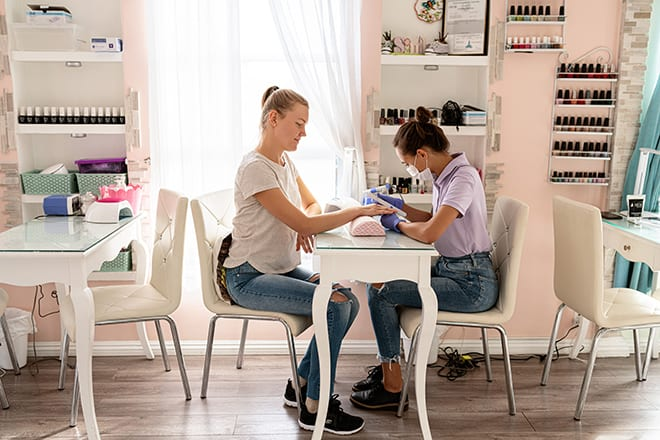 melrose-beauty-bar-manicure
