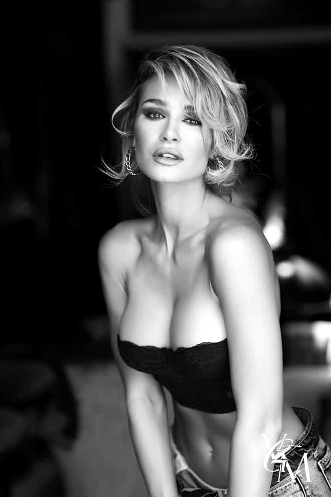 2-anna-katharina-von-staehle-guess-sexy-nude