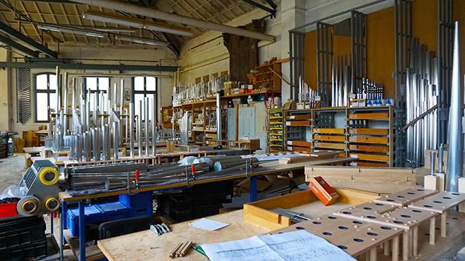 Orgelbau-Klais-Bonn-factory-viva-glam-malorie-mackey-1