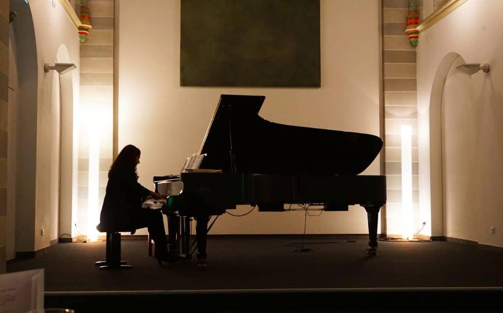 susanne-kessel-250-pieces-for-beethoven-concert-viva-glam-malorie-mackey