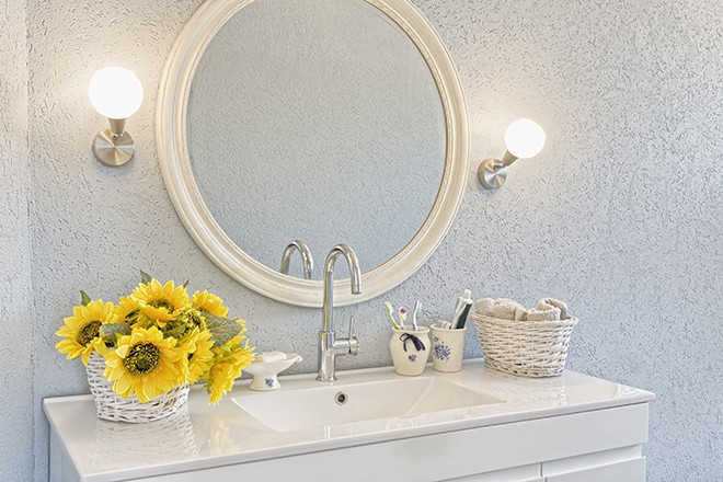 how-to-glam-up-the-vanity-in-your-home-viva-glam-magazine